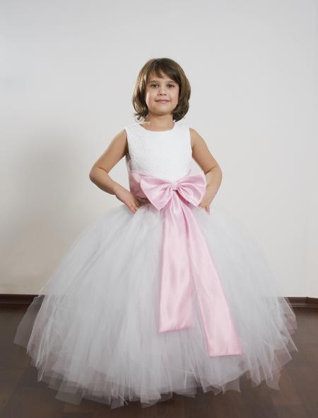 rochita copii cu o fusta bogata din fasii de tiul si o funda roz